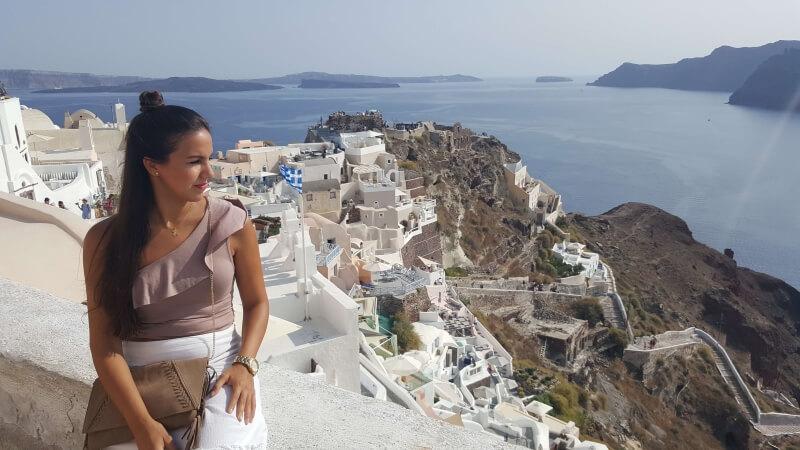 Look para visitar la puesta de sol de Santorini